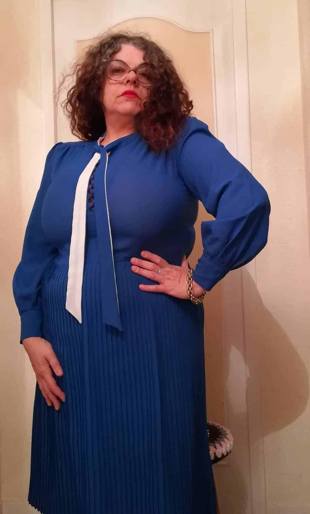 robe plissée bleue
